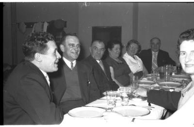 Germinal kampioen: overzicht van de feesttafels, Izegem 1957