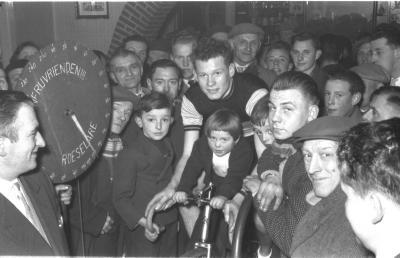 Fietsen op rollen: Raf Reynaert op de rollen, Izegem 1958