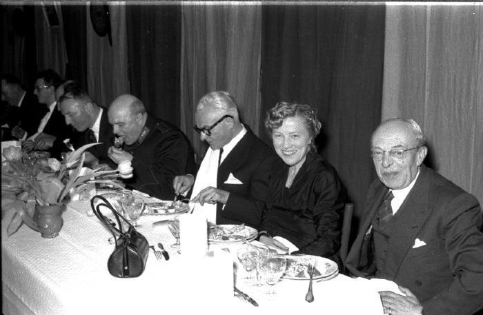 Huldiging Saelen: eretafel tijdens feestmaal, Kachtem 1958