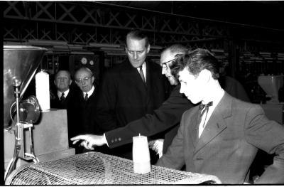 Huldiging Saelen: bedrijfsbezoek, Kachtem 1958