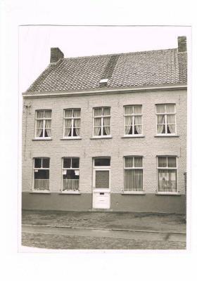 Kapsalon Hendrik Gevaert, Gits