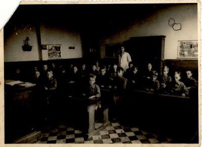 De klas van meester André Callewaert (oud gemeenteraadslid), Gits, 1940