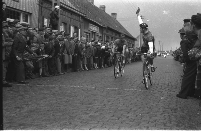 Wielerwedstrijd Ardooie: Schreel wint, Ardooie 26 april 1958
