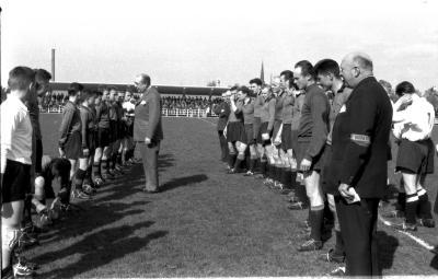 Miniemen FC Izegem met trainer, Izegem 1958