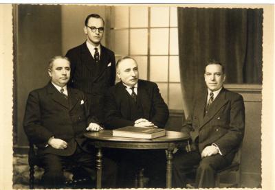 Groepsfoto onderwijspersoneel stadscholen Roeselare