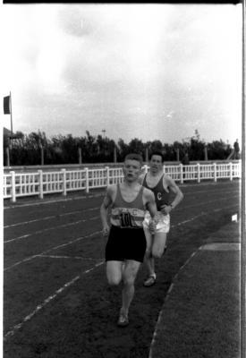 Atleet Vandendriessche loopt record, Izegem 1958