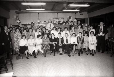 Feest damesturnclub: groepsfoto in sporthal, Moorslede maart 1978