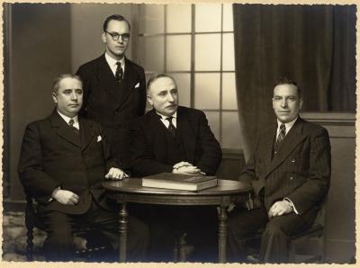 Groepsfoto van het onderwijspersoneel van stadschool III, 1938