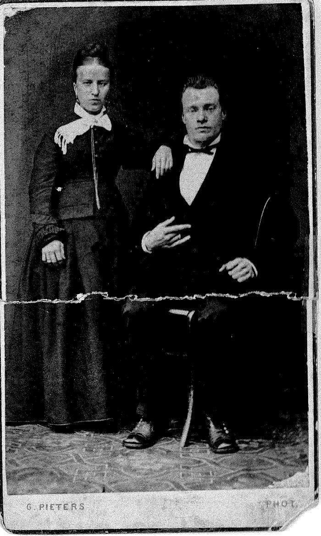 Huwelijksportret Emiel Vandeputte en Adèle Deldaele