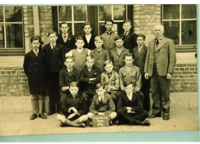 Klasfoto 8ste leerjaar, stadsschool II