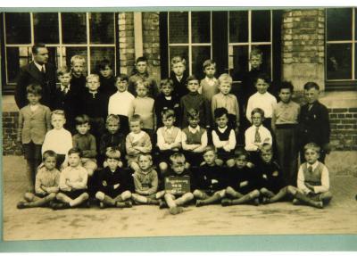 Klasfoto 1ste en 2de leerjaar, stadsschool II